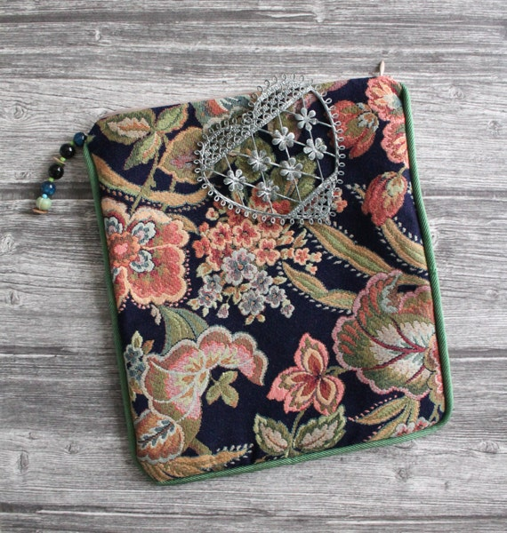 Pocket tablet in fabric french vintage / lingerie bag / catch all / 25x27cm to confirm / gift for her.