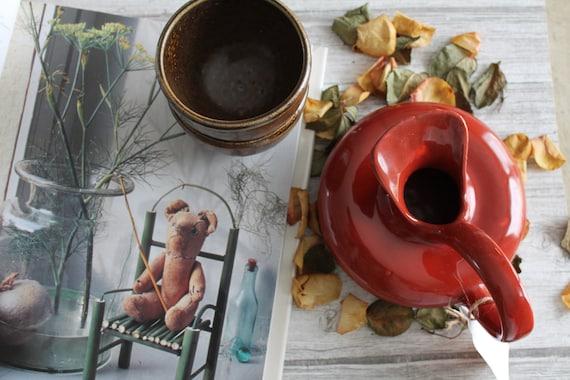 Traditional ceramic jug, original shape, signed 2 LO, red ocher color, PCH150079