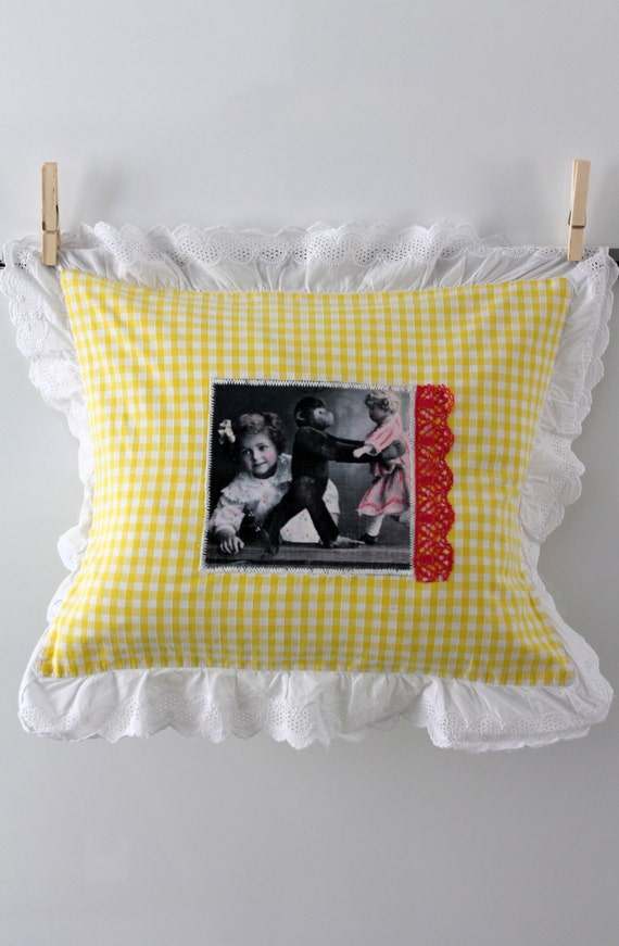 Child pillow, pillowcase, bag cloth child, yellow and white gingham, eyelet, cushion 50 x 30 cm