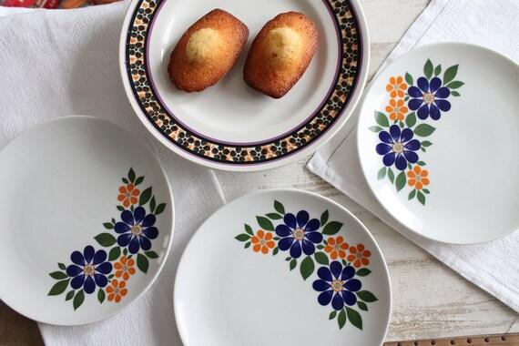 3 vintage flower plates, Manufacture: Winterling, Markfleuten Bavaria, blue and green dishes, vintage tableware,