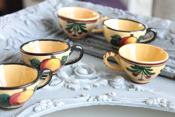 6 hand-painted old miniature cups - miniature crockery - doll house tea service - MIN160718