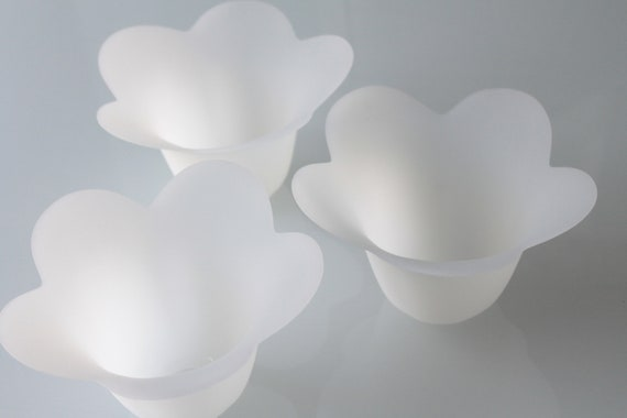 White opaque glass lampshade, light supply, white flower, white opaque glass, vintage suspension, LM191742