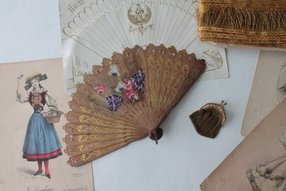 Hand-painted antique fan, antique purse, brass mesh purse, golden collection fan, 19th century wooden fan