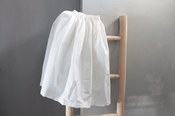 French antique white cotton petticoat, late 19th century, White pleated skirt, old clothing, wedding petticoat, ceremony, VET201926