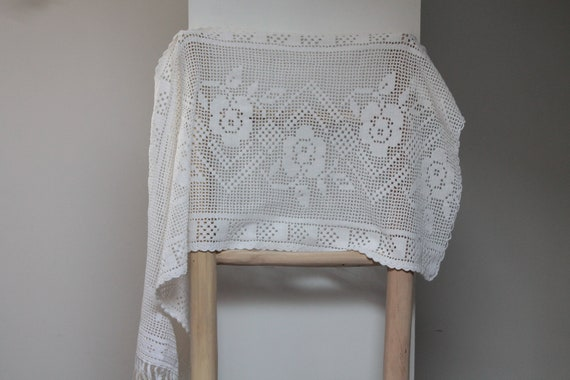 White vintage crochet curtain, vintage window wrap, white flower curtain, RID201925