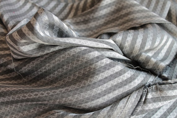Bianchini Férier Silk, vintage high-manufactured silk, luxury vintage fabric, Grey silk, high quality silk