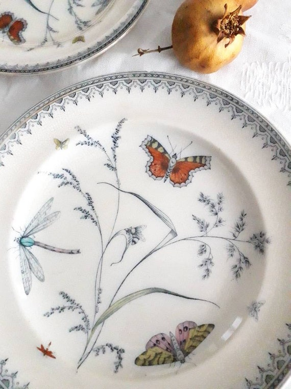 Old English porcelain plate, Pinder Bourne and Co, AST201902