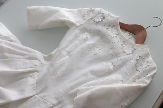 White vintage ceremonial dress, floral dress for wedding, little floral dress, ruffled dress, wasp size dress, ROB191681