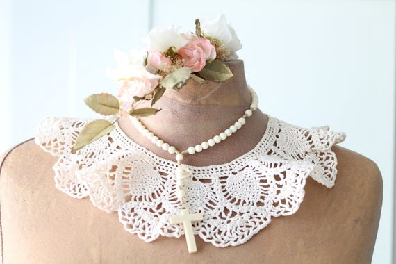 Vintage collar crocheted in cotton, fashion accessory vintage white collar, ceremony, fashion accessory
