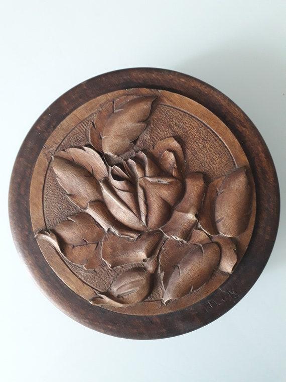 Boite ancienne à bijoux, objet en bois, rose en bois, BOIS191857