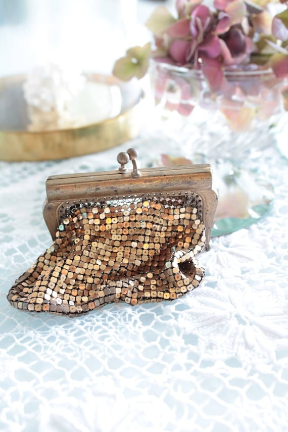 Small golden vintage coin purse, gold purse, gold coin purse, gift for her, SAC181548