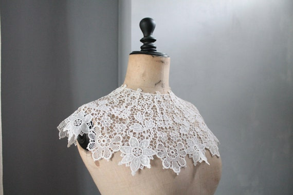 Large ecru lace collar, Victorian fashion accessory, wedding accessories for her, COL201924