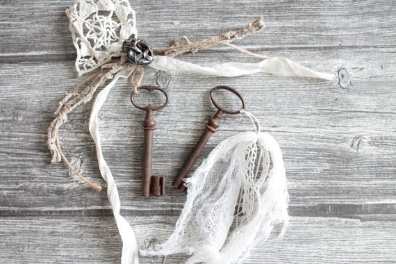 2 French antique keys, for a shabby chic decor, with old lace, tulle, antique buttons.