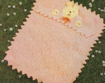 Baby Shawl Pram and Cot Covers//Blanket Knitting Pattern DK  838