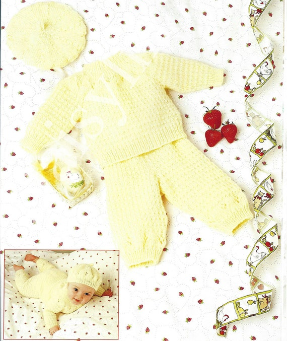 Lovely double knitting pattern for baby//child/'s sweater and trousers 16-22 inch