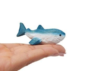Great White Shark Figurine Miniature Sea Animal Decoration Wood Sculpture Statue Cake Topper