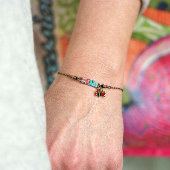 Bracelet bohème à motifs floraux hippie et pampilles assorties sur laiton 'Leonotis'