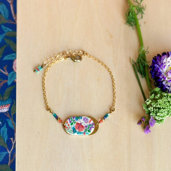 Golden bracelet with handmade floral patterns on raw brass chain, 'Aglais' series