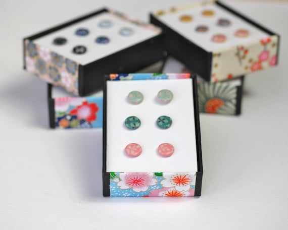 Set of 3 stud earrings with colored handmade patterns