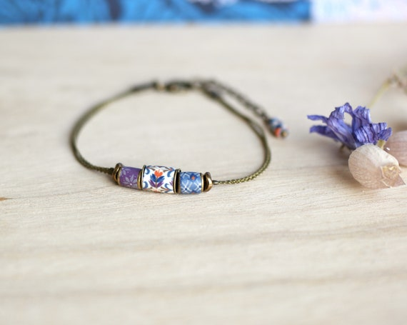 Blue boheme bracelet, blue and purple patterned beads, brass bracelet, handmade polymer clay patterns, boho bracelet 'Luzule'