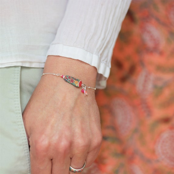 Sterling silver green and red bracelet with handmade floral pattern and tassels, 'Tiarelle' series