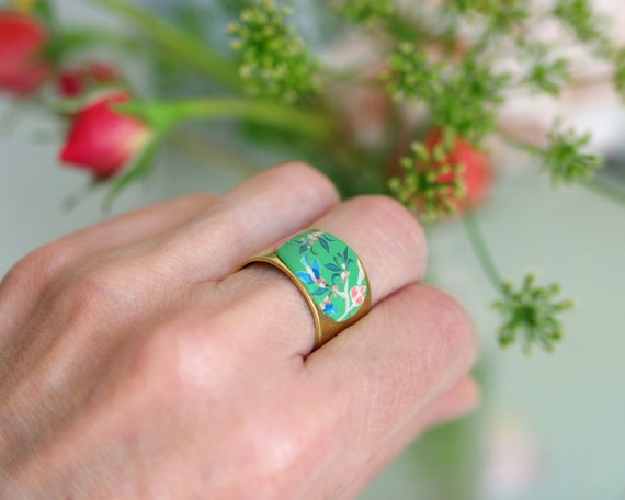 Ring boho ring, wide ring in brass, blossoms, flowers, Adjustable ring, flowers and hummingbirds, poetic, ' Alcea ""