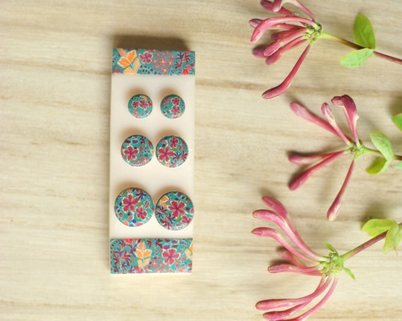 A pair of pink and green floral patterned earrings set in 925 round silver, 3 sizes to choose from, 'Tiarelle' collection