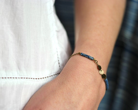 Indigo blue boho bracelet 'Abelia' brass chain with two handmade blue floral patterns and bronze sequins