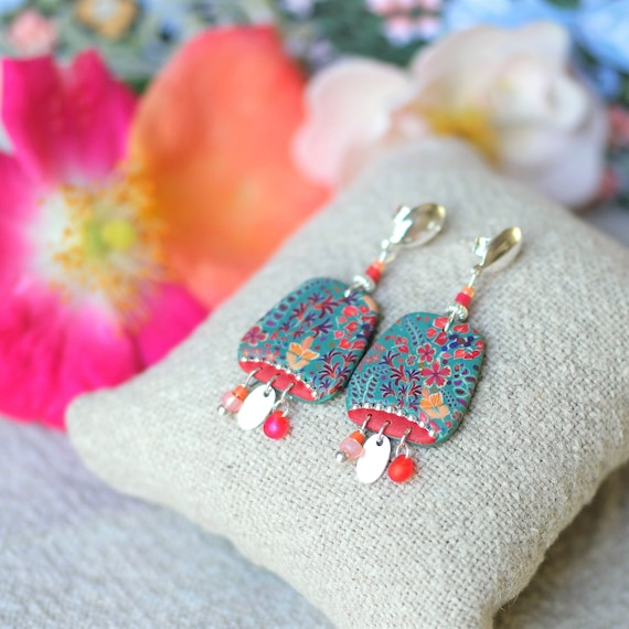 Boheme earrings with handmade red and green floral patterns on sterling silver, 'Tiarelle' series