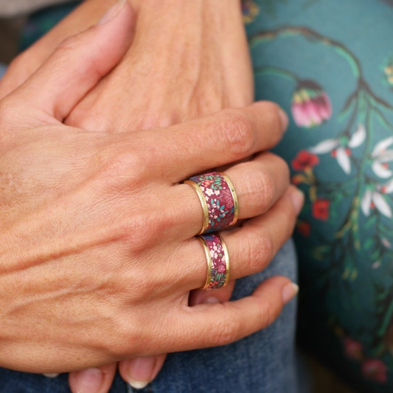 Brass ring with burgundy and green floral patterns, 2 sizes available, 'Irésine'