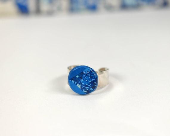 Bague cabochon bleu électrique 'Agathis', anneau ajustable en argent 925