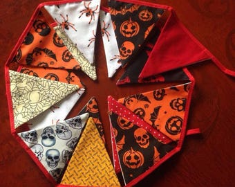 Halloween Mini Bunting 16 flags