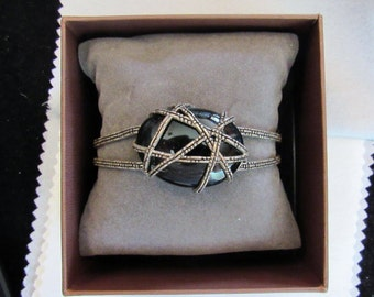 Vintage - 925 - Sterling Silver - Cuff Bracelet with Rope Pattern and Black Stone