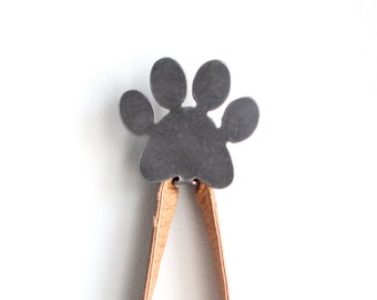 Paw Print Metal Wall Hook Leash Holder     rustic decor pet dog lover cat lover