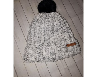Men's faux fur pom pom hat