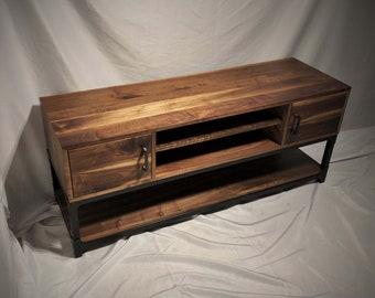 Regula Media Console /  Rustic Industrial Credenza / Solid Hardwood & Metal Sideboard / Minimalist Industrial TV Stand Media Center