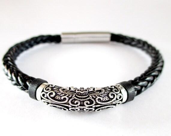 Black leather bracelet, silver bracelet, unisex bracelet, leather braided bracelet,  leather jewelry , silver 925 bracelet, leather accesory