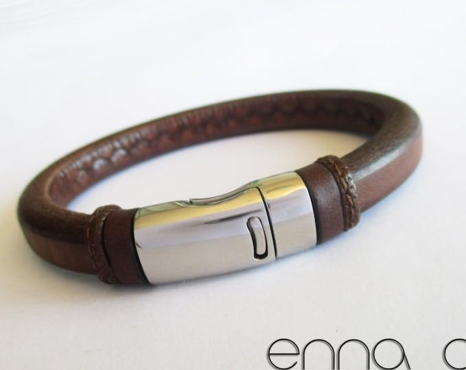 Licorice leather bracelet, brown