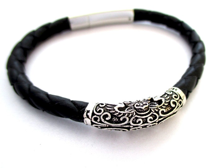 Black and silver leather bracelet, silver bracelet, leather braided bracelet, black leather wristband, silver bracelet, man wristbands, gift