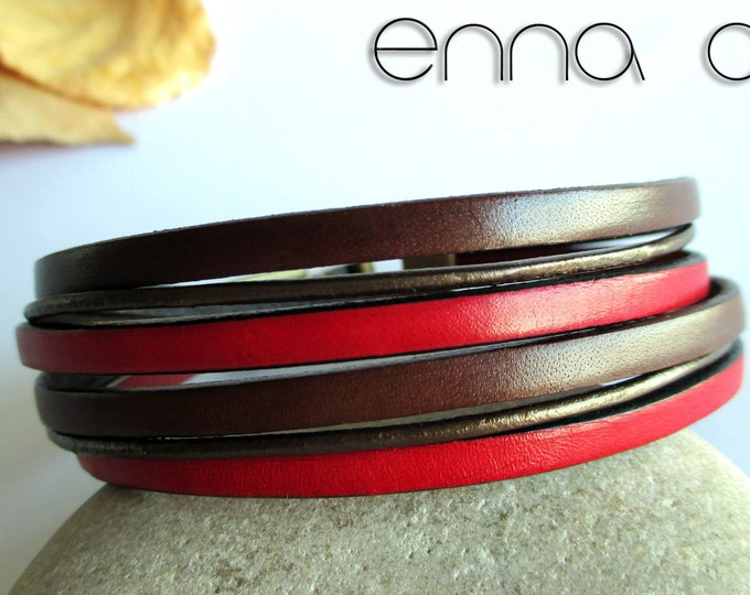 Double bracelet, brown and red leather.