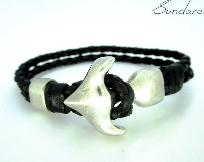 Anchor bracelet, double braided black leather