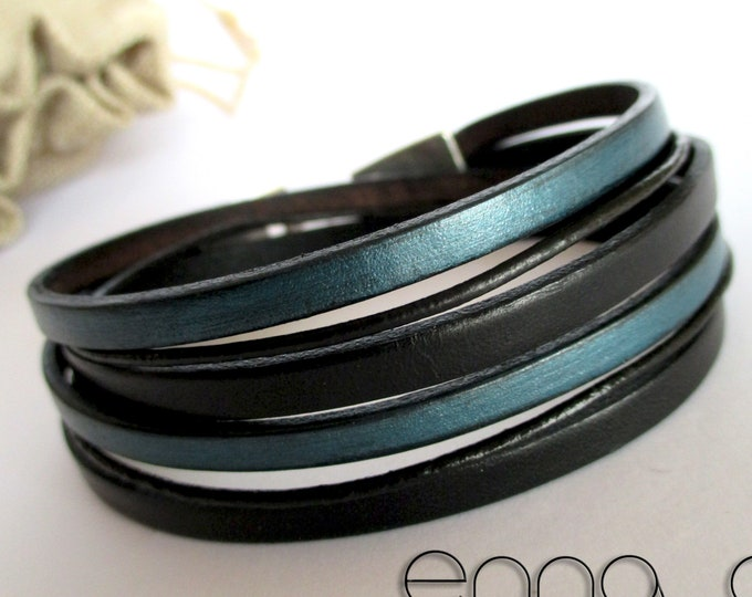 Double bracelet, blue and black leather