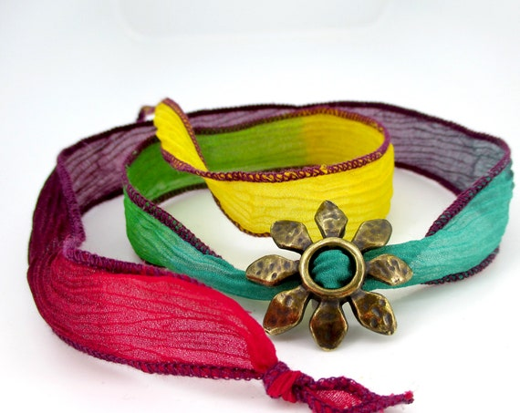 Silk bracelet for women with different colors, red, green, blue, yellow, purple, serves as a necklace.