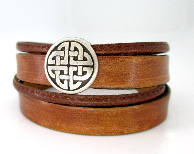 Double brown genuine leather bracelet with Celtic shield, unisex valentine bracelet. Smooth and braided leather