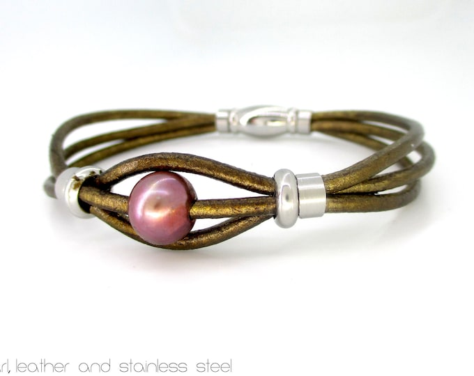 Handmade gold leather and pearl bracelet, exclusive designs, genuine pearl bracelet, gifts for her, boho design, woman luxe accessories