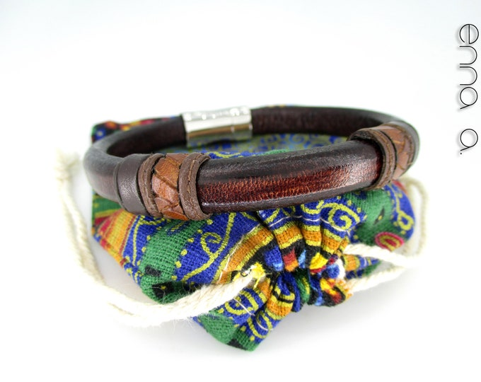 Brown leather bracelet licorice.
