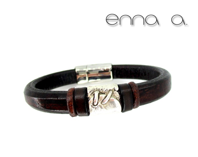 Dark brown bracelet, leather licorice