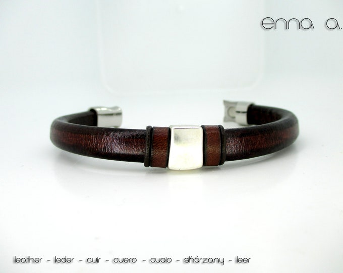Brown leather bracelet, licorice leather bracelet, leather wristband, man bracelet, men accessories, birthday gifts, leather accessories