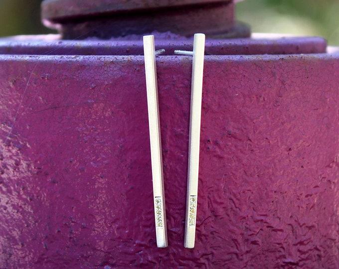 Μinimal Cubic Earrings with Zircon