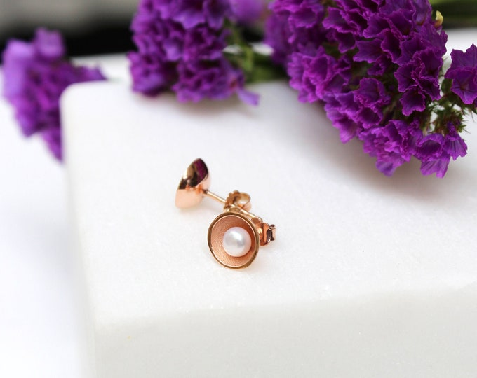 Pearly Earrings in 9k Rosegold